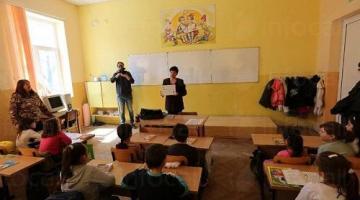 Обучение на ученици във Варна-Одесос-Infocall.bg