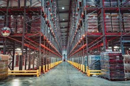 Проектиране и инженеринг на сложна автоматизация и механизирани складове, включително софтуер за управление - STAMH Ltd