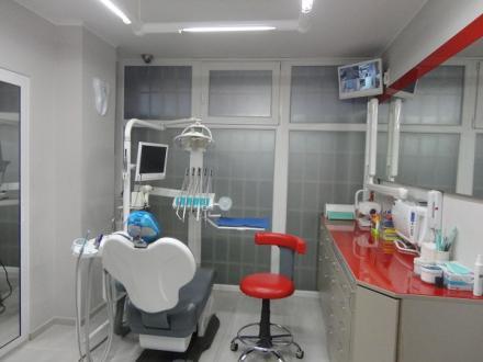 Стоматологични услуги в София-Зона Б5 - Доктор Корнелия Петкова