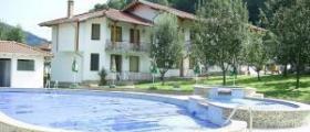 Хотелски комплекс в Балканец-Троян - Край реката