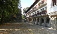 Основно оздравително училище в град Плачковци