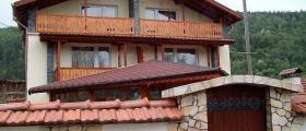 Семеен хотел в Радуил