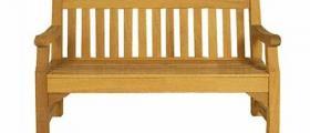 Дървени мебели в Банско
