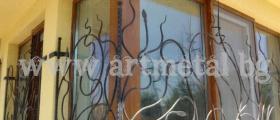Решетки за прозорци от ковано желязо в Добрич - Арт Метал Груп ООД