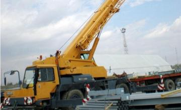 Автокран в Пловдив и Карлово - Товароподемни услуги