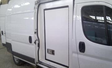 Хладилни надстройки за автомобили във Варна - ХЦС-България ООД