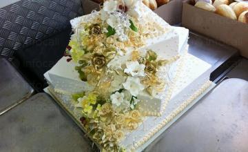 Сватбени торти в село Рибарица и град Тетевен - Сладкарница Иза