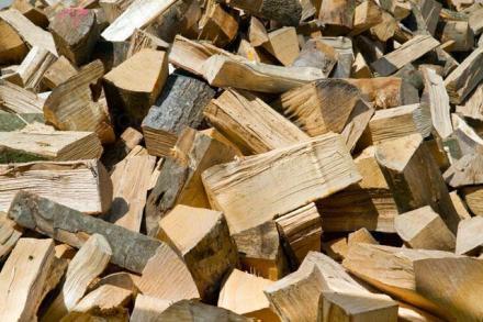 Дърва за огрев и битови нужди в Сандански - Дървен материал Сандански