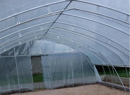 Оранжерии с покритие от полиетилен в Нови Искър - Парник БГ  ООД