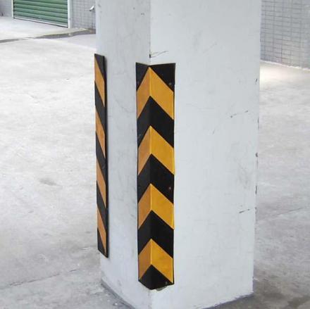 Знаци,огледала,буфери - Пътна маркировка