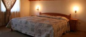 Евтини нощувки в Родопите Чепеларе - Семеен хотел Шоки