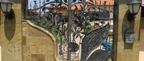 Изработка на орнаменти за врати от ковано желязо в Добрич - Арт Метал Груп ООД