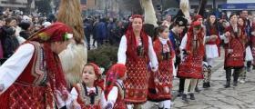 Женска фолклорна група в община Ценово