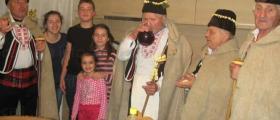 Мъжка фолклорна група в община Ценово