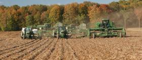 Обработка на земеделска земя в Стражица