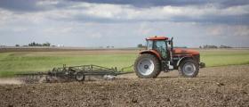 Обработка на земеделски земи в Елхово