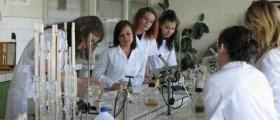 Обучение на ученици по биотехнологии София-Княжево