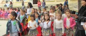 Прием на деца в ЦДГ Пчелица в Лясковец