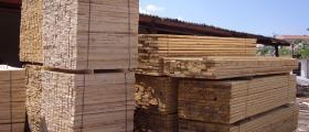 Търговия с дървен материал в Сърница