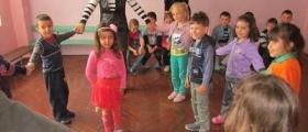 Възпитание на деца от 3 до 7 години в Езерче-Цар Калоян