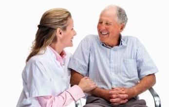 24 - часово наблюдение на възрастни хора с физически увреждания