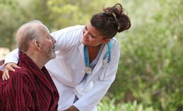 Ежедневни грижи за възрастни хора в община Своге - ДВХПР Лакатник