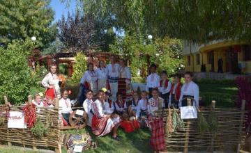 Фолклорна детска група в Чавдар-София