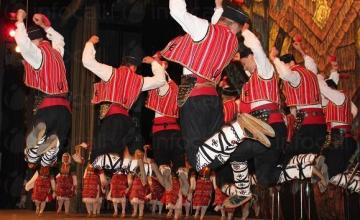 Фолклорни песни и танци в община Петрич