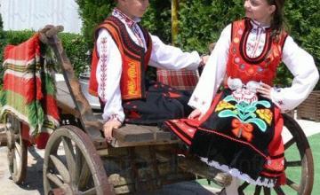 Фолклорно пеене в община Каспичан