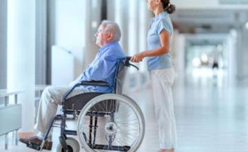 Индивидуални грижи за възрастни хора с физически увреждания