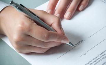 Изготвяне договори, нотариални покани и актове във Варна