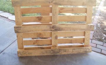Изкупуване на отпадъчни дървени палети в Пазарджик