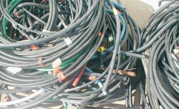 Изкупуване на отпадъчни кабели за обработка във Варна