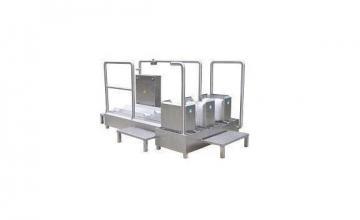 Машина за комбинирано почистване на ботуши и подметки - Сторм Инженеринг АД