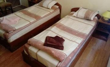 Наблюдение на възрастни хора - Дом за възрастни хора Велинград