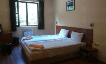 Настаняване в хотел в Банско и Бачево