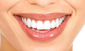 Почистване на зъбен камък и избелване на зъби в Смолян и Могилица - Д-р Диляна Хаджиева-Пашова