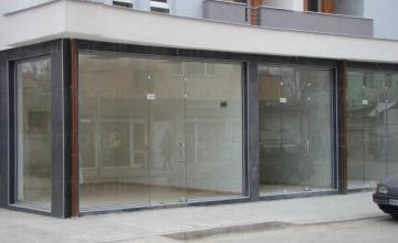 Продажба и монтаж на стъклени витрини в Пазарджик
