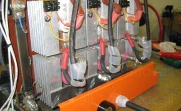 Производство на стартерно зарядно за локомотиви в Перник