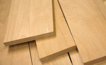 Търговия с дървен материал в Тръстеник