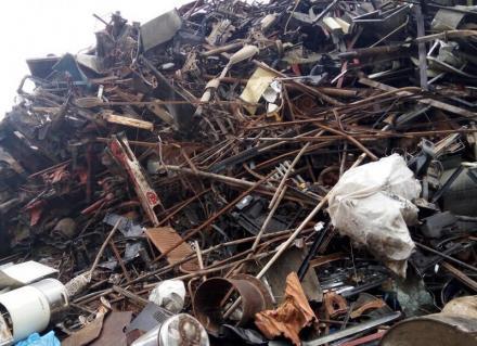 Демонтаж и рязане на вторичните суровини Варна - Кресметал