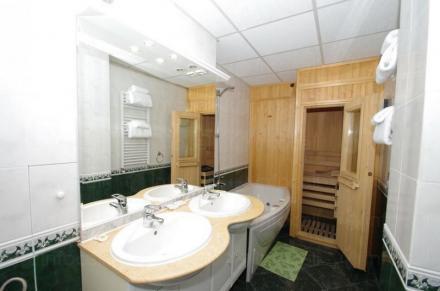Двойна стая под наем в Боровец - Хотел Роял