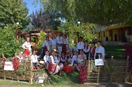 Фолклорна детска група в Чавдар-София - Народно читалище Надежда