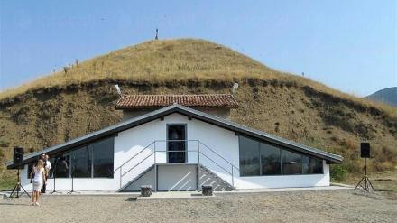 Гробнично-култов комплекс Оструша - Исторически музей Искра Казанлък