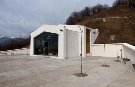 Храм в могила Шушманец Казанлък - Исторически музей Искра