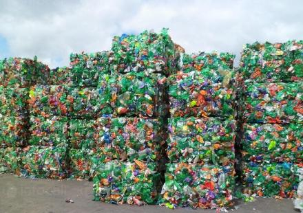 Изкупуване на пластмаса в Сливен - Феникс Експорт ЕООД