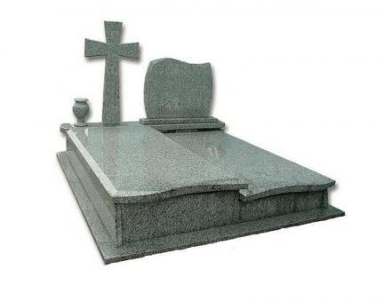 Изработка надгробни плочи в Благоевград - Мемориал 1 ЕООД