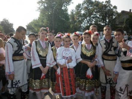 Клуб за народни танци в община София - Народно читалище Христо Ботев 1909 Казичене