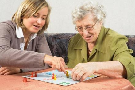 Организация на свободното време в Горна махала-Калояново - Дом за възрастни хора с деменция Св Козма и Дамян