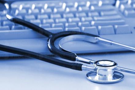 Организира провеждането на медицински прегледи на обслужваните работници и служители Шумен - СТМ 2000